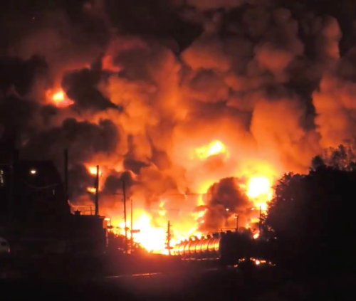 oil train derails in Quebec